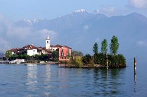 isola-dei-pescatori-lago-maggiore-piemonte-italy